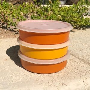 Tupperware #1405 with sheer lids #227